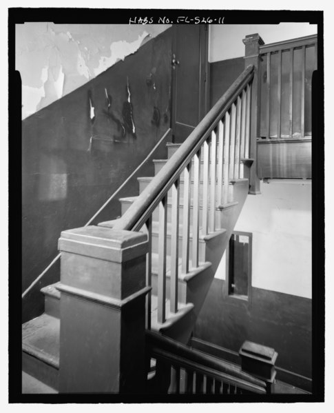 File:East stairwell between second and third floors - Dade Apartments, 403-405 North Miami Avenue, Miami, Miami-Dade County, FL HABS FL-526-11.tif