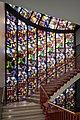 Eerste verdieping, trappenhuis met glas-in-lood ramen - Groningen - 20409104 - RCE.jpg