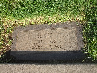 Ernest Wallace - Wallace grave marker