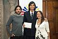 Escuela de Verano 2013, entrega de diplomas (9530687785).jpg