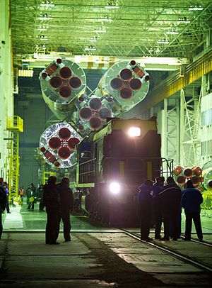 Expedition 26 - Image: Expedition 26 Soyuz TMA 20 Rollout