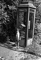 Fiú, telefonfülke, 1958 Budapest. Fortepan 100763.jpg