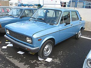 Fiat 128 - Second series (1976) Fiat 128 with new rectangular headlights
