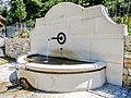 Fontaine de la Largue.jpg