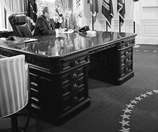 Wilson desk Oval office desk