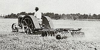 Fordson - An early Fordson discing a field in Princess Anne County, Virginia, USA, in 1925