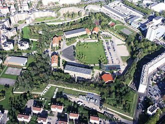 Fort de Charenton - Aerial view of the Fort de Charenton, with buildings of the Republican Guard in the foreground, built in the 1930s