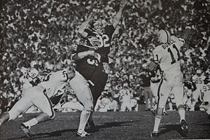 Don Bunce - Bunce passing in the 1972 Rose Bowl