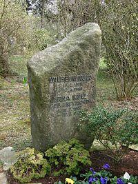 Friedhof Wilmersdorf - Grab Wilhelm Külz.jpg