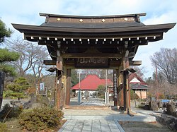 Ganjoji Temple main gate Nirasaki city.JPG