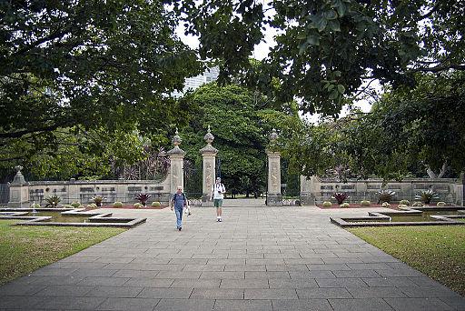 Gates at Royal Botanic Gardens viewed from Art Gallery Road