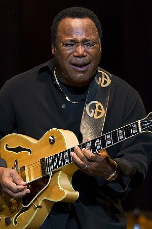 George Benson - George Benson performing in Madrid, 2009