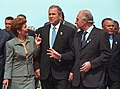 George W. Bush, Mireya Moscoso and Fernando de la Rúa in 2001.jpg