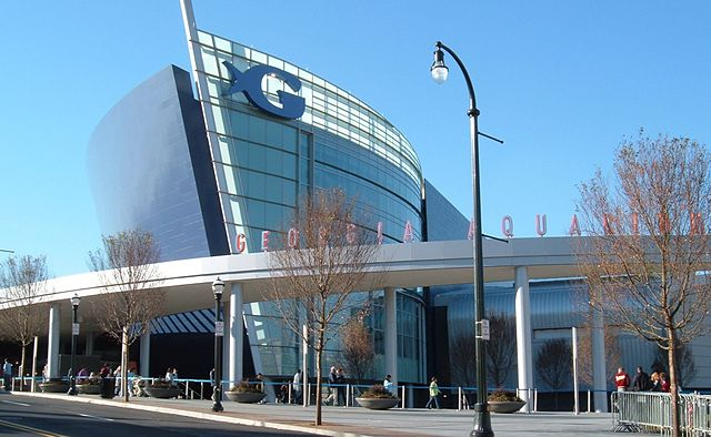 Datei:Georgia Aquarium front before opening.jpg - Wikipedia