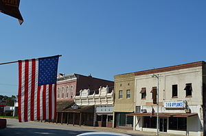 Girard, Kansas - Stores on the town square (2012)