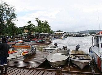 Gizo, Solomon Islands - A view of Waterfront Market place in Gizo (Feb 2005).