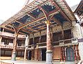 Globe Theatre Buehne.jpg