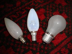 40 watt light bulbs with standard E10, E14 and...