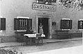 Gostilna na Dobravi med drugo vojno.jpg