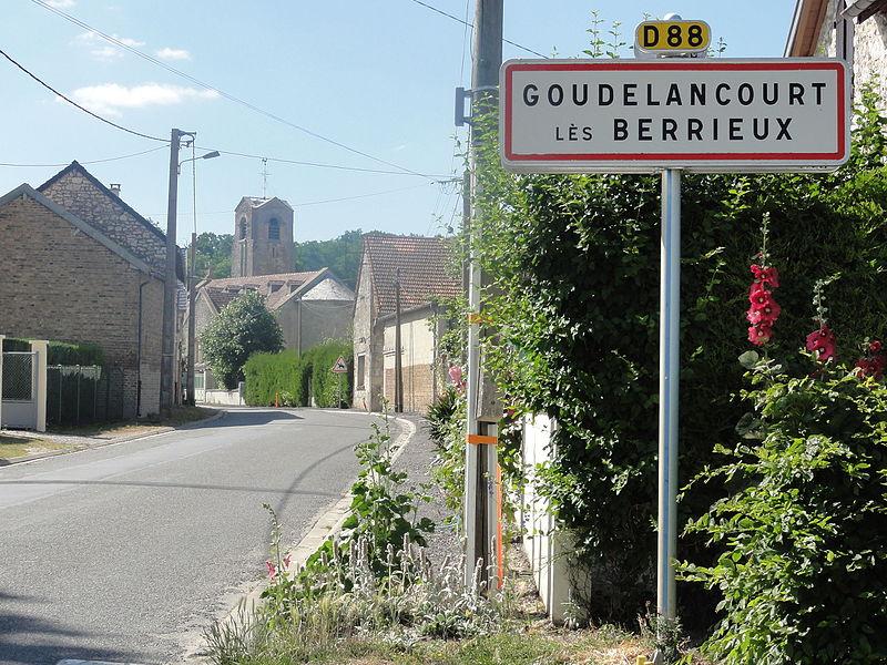 Goudelancourt-lès-Berrieux (Aisne) city limit sign