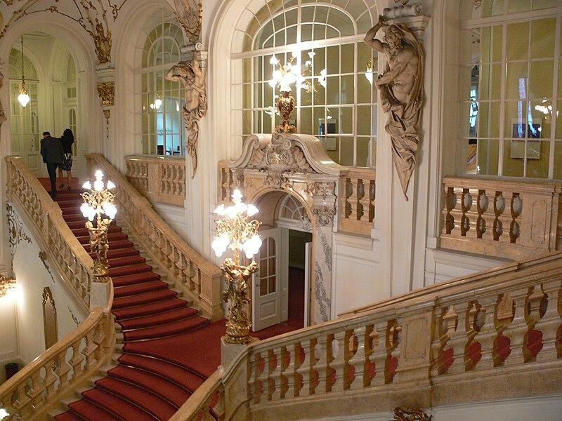 Datei:Graz Opernhaus Stiege 2.jpg