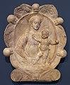 Gregorio di lorenzo (bottega), madonna col bambino in una ghirlanda con cherubini, 1450-1500 ca. 01.jpg