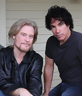 Daryl Hall (links) en John Oates, 2008
