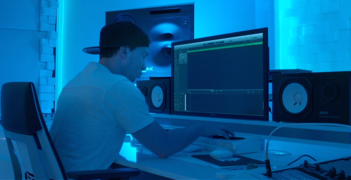 Hardwell in the studio 2015.png