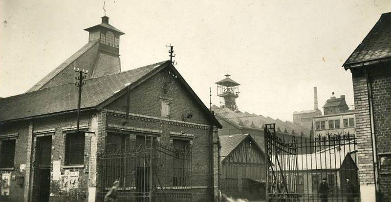 Fichier:Harnes - Fosse n° 21 - 22 des mines de Courrières (C).jpg