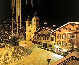 Hauptplatz Winter.JPG