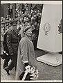 Herdenking 10 jaar bevrijding te Amsterdam. Prins Berhard en koningin Juliana, Bestanddeelnr 043-0485.jpg
