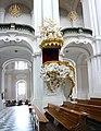 Hofkirche Innenraum mit Kanzel, Dresden.jpg
