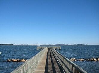 Holts Landing State Park - Crabbing pier at Holts Landing State Park
