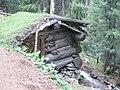 Hut22.JPG