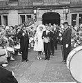 Huwelijk Ria Valk met H. de Keulenaar, aubade drumband van Gennep, Bestanddeelnr 914-0960.jpg