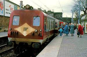 NIR Class 80 - An unidentified 80 class set carrying the then Iarnród Éireann logo at Dún Laoghaire in 1988.