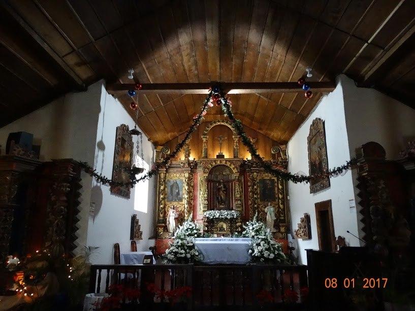 Iglesia Catolica Palomo (altar)
