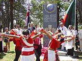 Ünneplés Sydneyben 2006-ban az anyanyelv napja emlékműnél