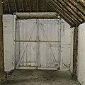Interieur wagenschuur, deuren - Beetsterzwaag - 20397703 - RCE.jpg