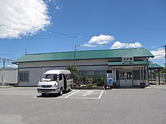 JREast-Joban-line-Kido-station-building-20140614.jpg