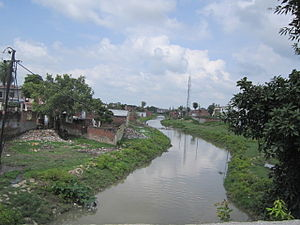 Barabanki district - View of Jamuriya Nala (a brook) from Railway Station Road Bridge, Barabanki. This brook flows through the Barabanki city and divides the city in two halves.