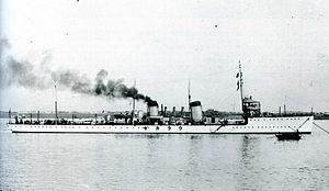 Japanese destroyer Urakaze.jpg