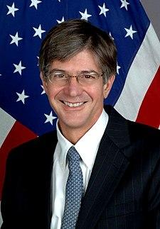 http://upload.wikimedia.org/wikipedia/commons/thumb/2/2a/Jim_Steinberg.jpg/225px-Jim_Steinberg.jpg