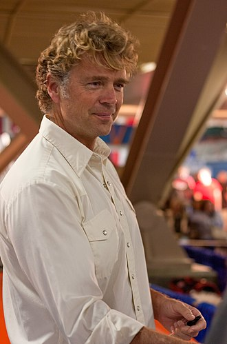 "Reckoning (Smallville) - John Schneider, who portrayed Jonathan Kent, argued that his character left the show ""like a hero""."
