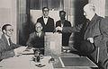 Julio A. Roca (hijo) votando en las elecciones de 1931.JPG