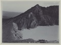 KITLV - 5819 - Kurkdjian - Soerabaja - Crater Lake at the Ijen Plateau in East Java - circa 1910.tif