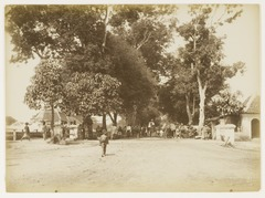 KITLV 29219 - Kassian Céphas - Streetscape, presumably at Yogyakarta - 1895.tif