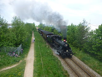 Gribskov Line - DSB K 582 with restored train at Græsted.