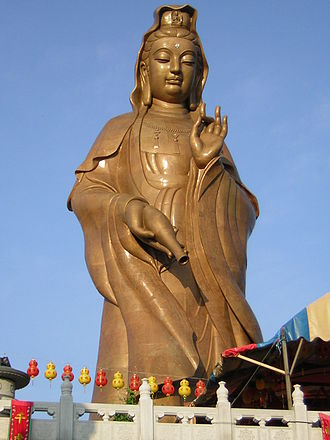 Kek Lok Si - Statue of Guanyin, inaugurated in 2002 before the pavilion was built