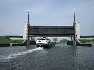 "Heusden Canal - The ""Kromme Nol"" lock"